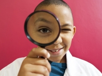 science_boy_magnifying_glass